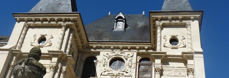ORLEANS - ENTRE LOIRE ET RUE JEANNE D'ARC